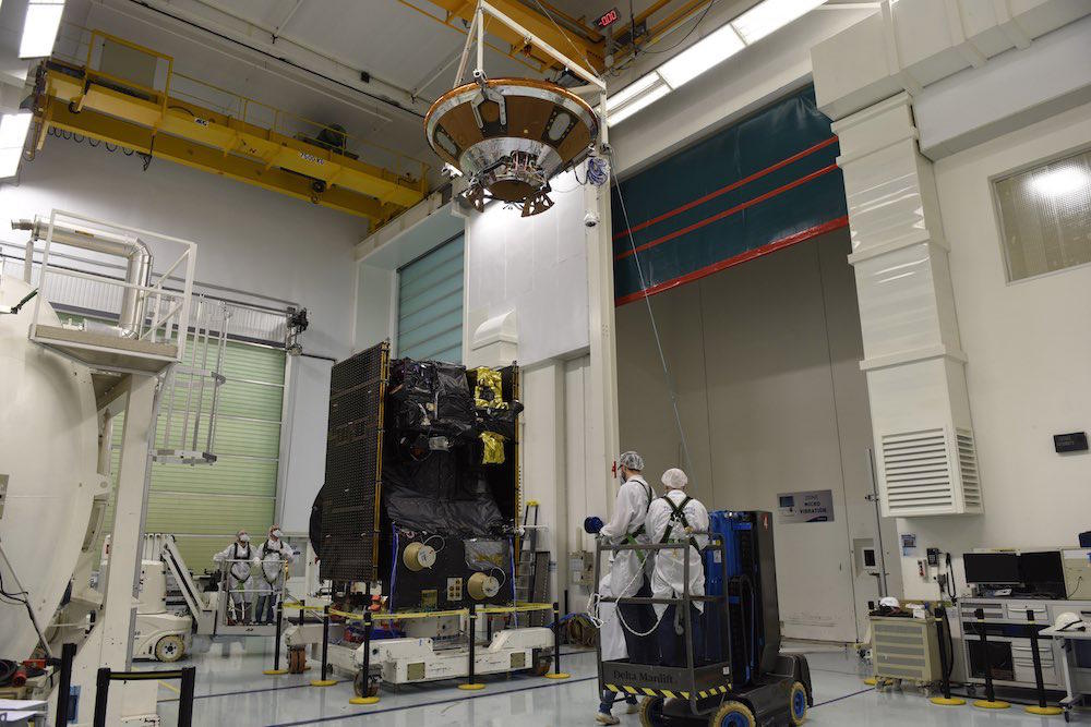 EDM_module_being_installed_at_the_top_of_the_TGO - copie